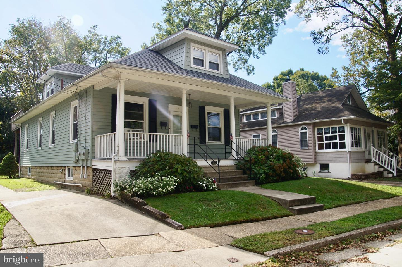 Duplex Homes 為 出售 在 Audubon, 新澤西州 08106 美國