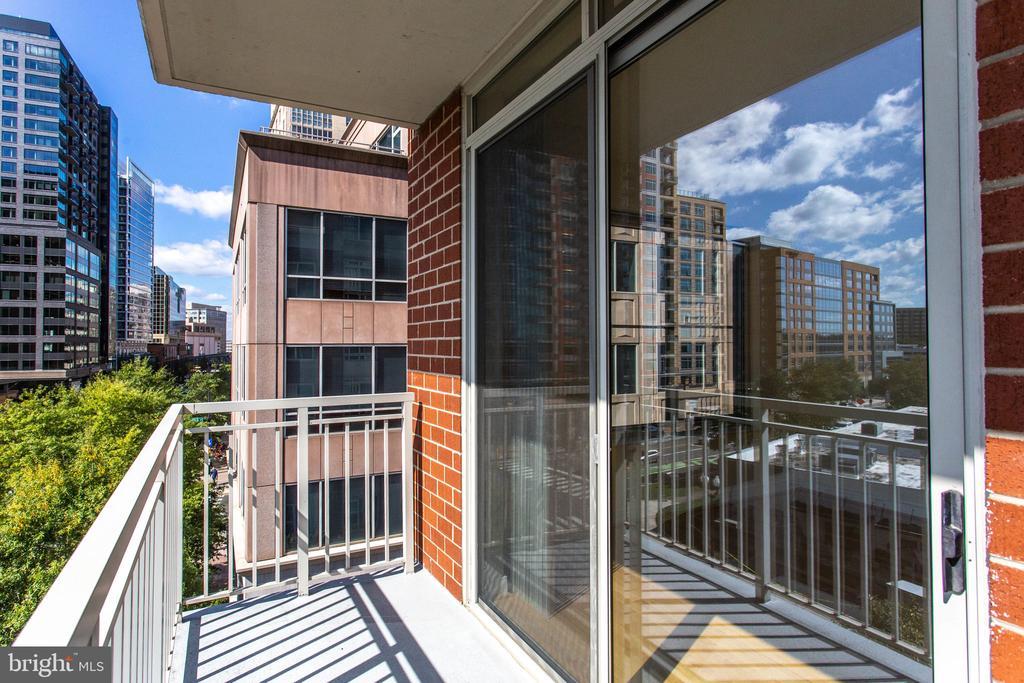 balcony - 820 N POLLARD ST #504, ARLINGTON