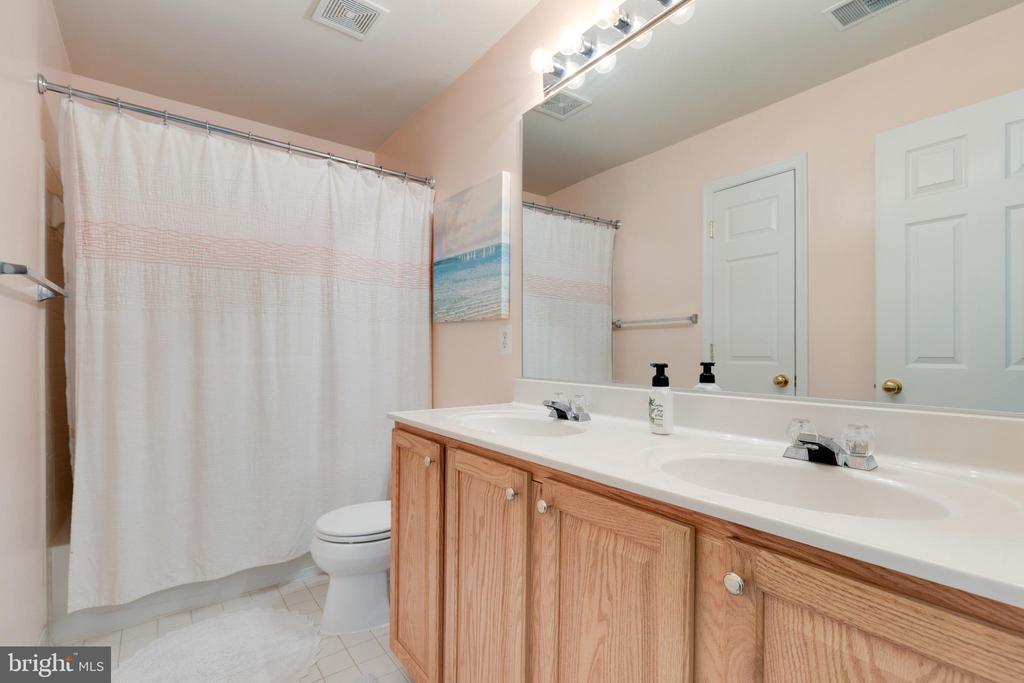Large Hall Bathroom - 1507 SHIELDS TER NE, LEESBURG