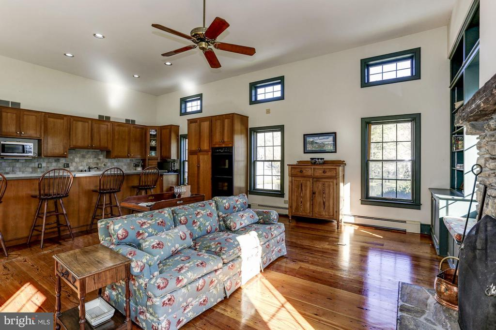 Great room - 8730 FOX GAP RD, MIDDLETOWN