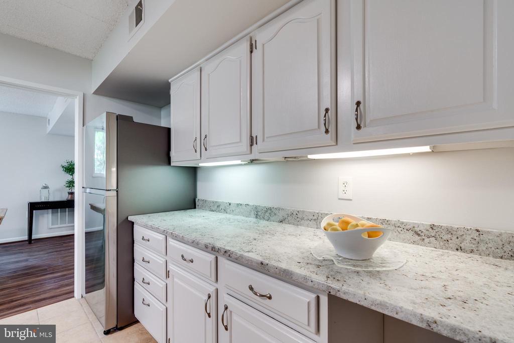 Kitchen - 5160 MARIS AVE #100, ALEXANDRIA