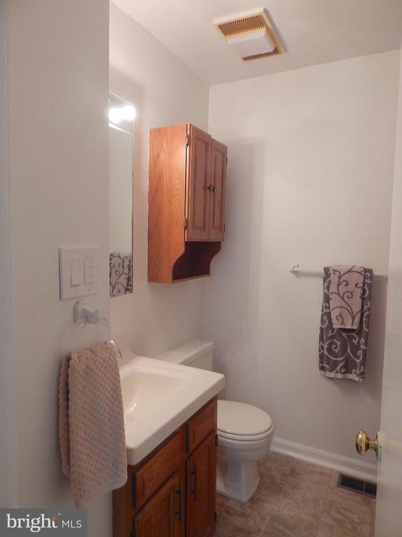 Primary Bedroom Full Bath - 6012 BATTLEFIELD GREEN DR, FREDERICKSBURG