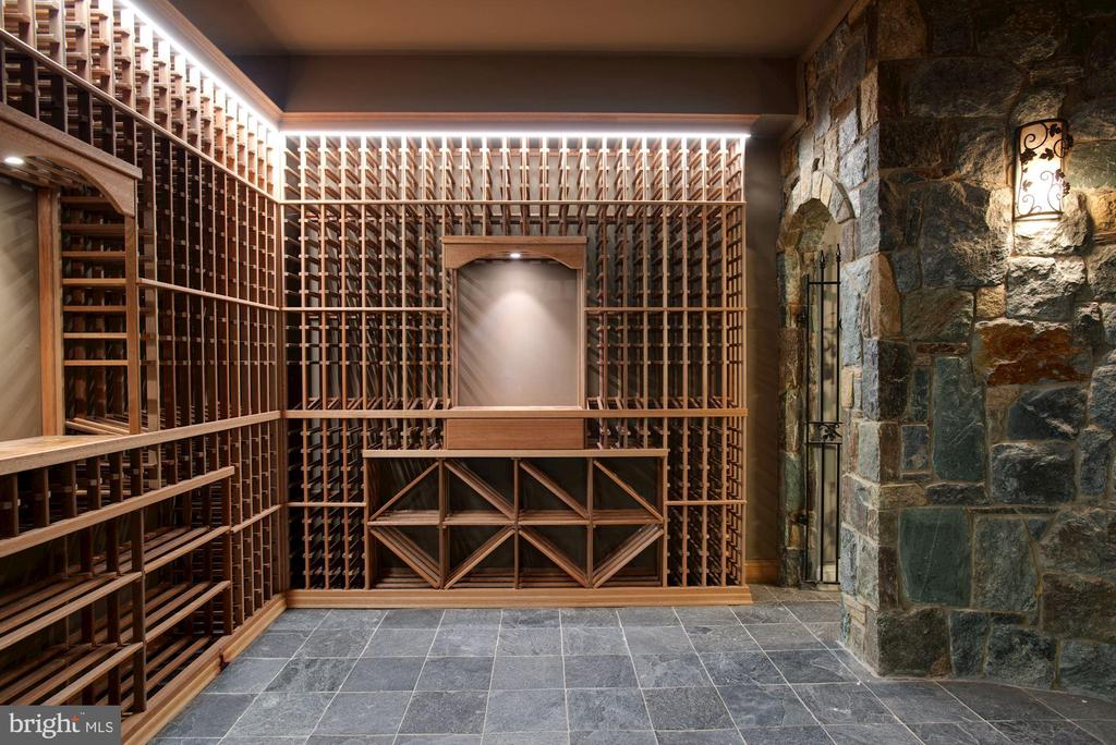 Custom Wine Cellar - 7853 LANGLEY RIDGE RD, MCLEAN