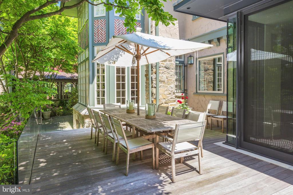 Outdoor Dining Adjacent to the Family Room - 4400 GARFIELD ST NW, WASHINGTON