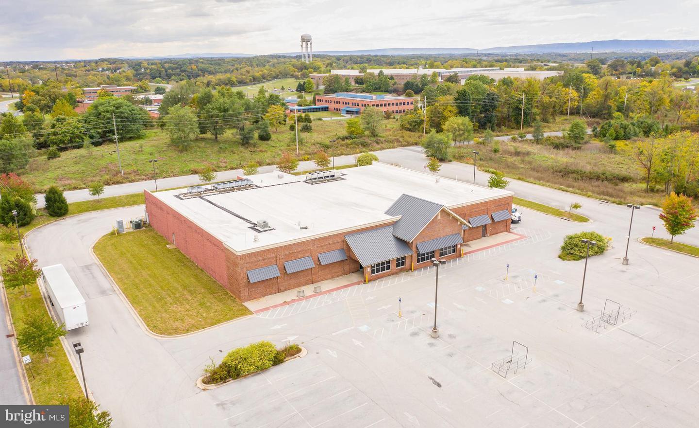 Vente au détail pour l Vente à Kearneysville, Virginie-Occidentale 25430 États-Unis