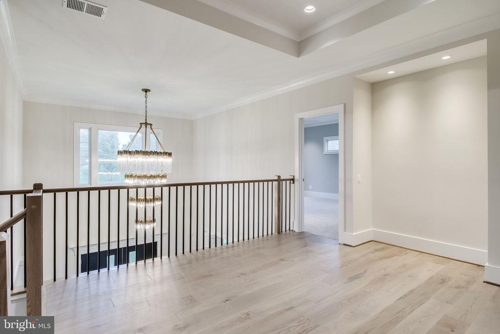 Upper Level Foyer - 11705 VALLEY RD, FAIRFAX