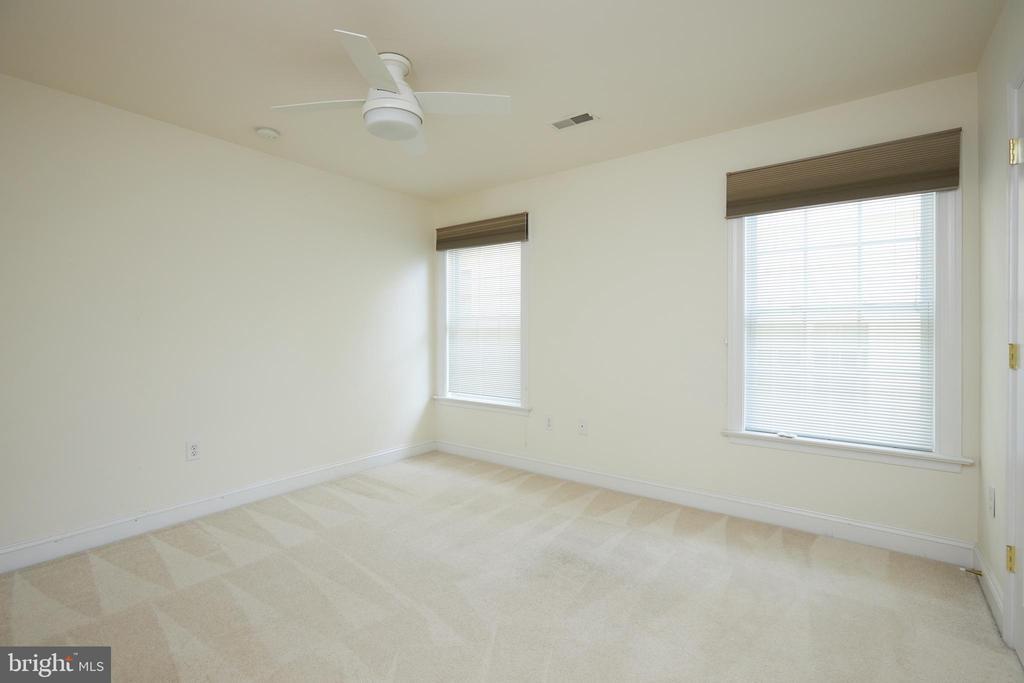 Bedroom 2 - 5517 SOUTHWICK ST, BETHESDA