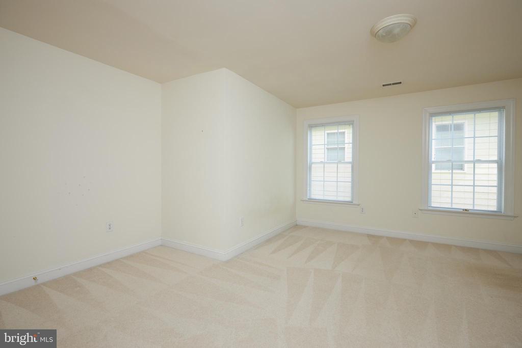 Bedroom 3 - 5517 SOUTHWICK ST, BETHESDA