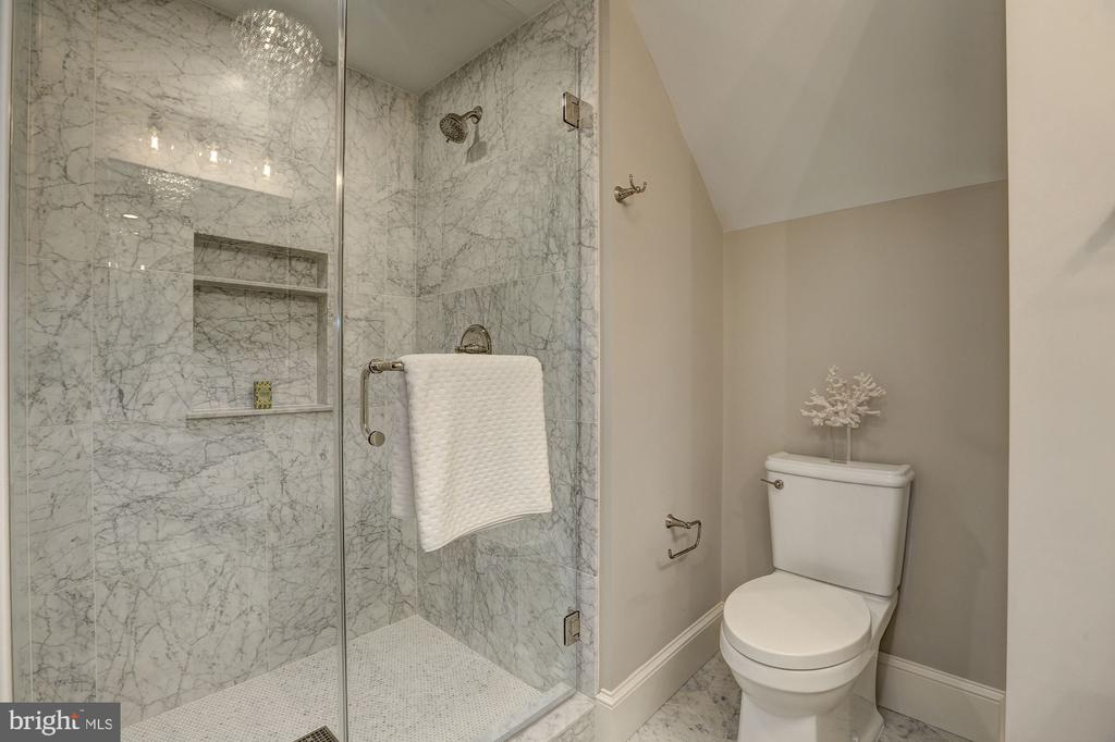 Glass-Enclosed Shower - 216 8TH ST NE #1, WASHINGTON