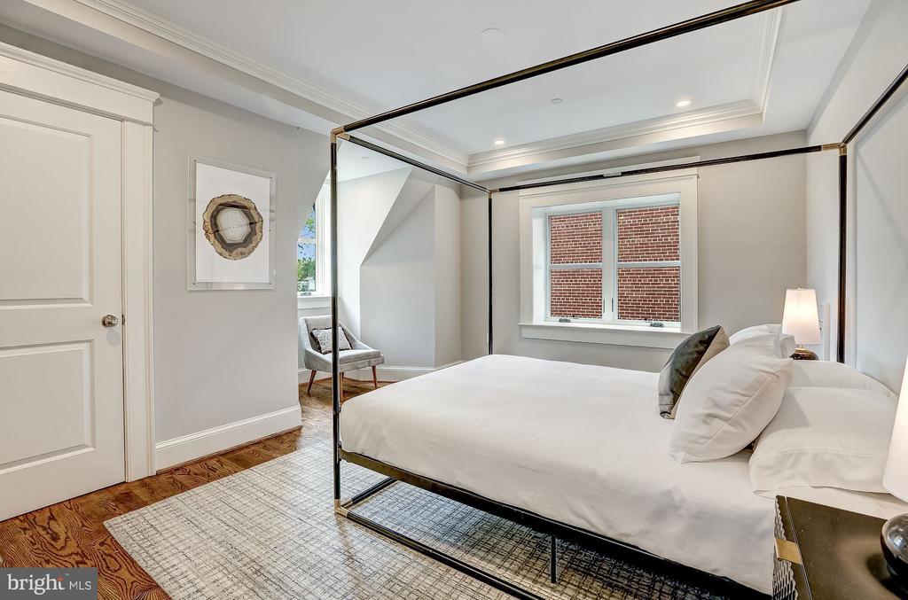Guest Bedroom - 216 8TH ST NE #1, WASHINGTON