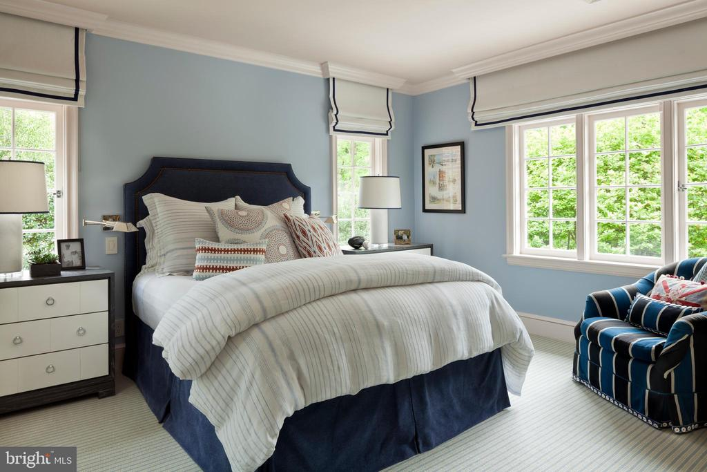 Each of the six bedrooms features an en-suite bath - 4400 GARFIELD ST NW, WASHINGTON