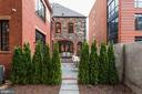 Private & Serene - 216 8TH ST NE #B, WASHINGTON