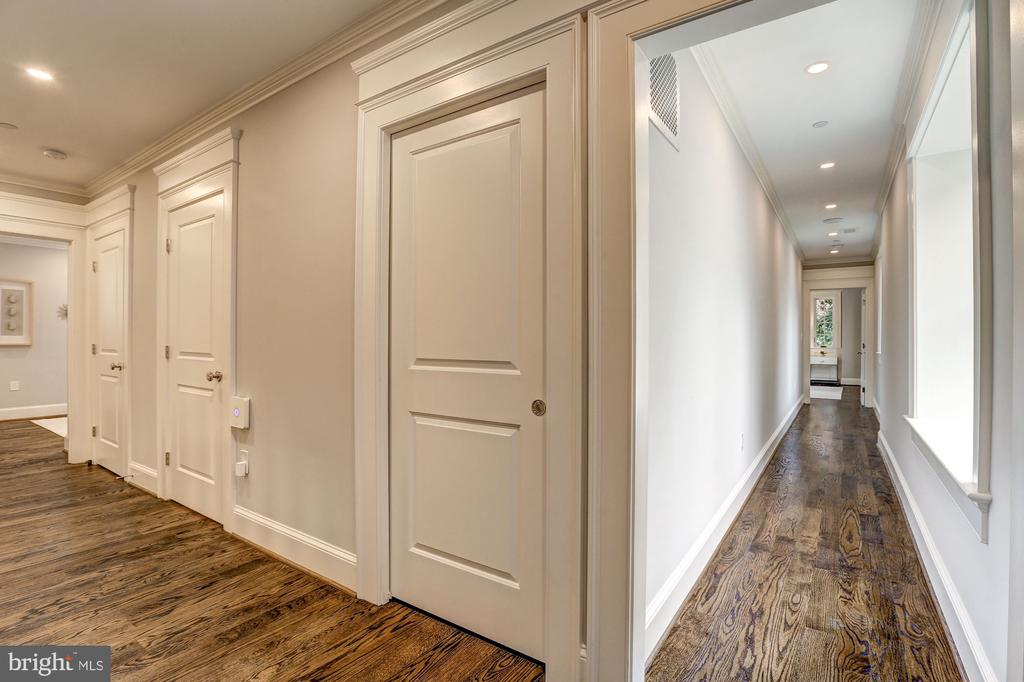 Hallway to Master Suite - 216 8TH ST NE #B, WASHINGTON