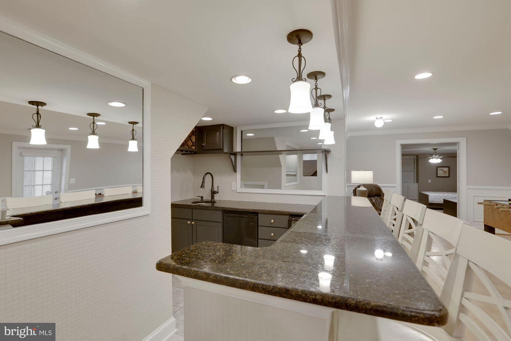 Wine refrigerator and Dishwasher - 43121 FLING CT, BROADLANDS