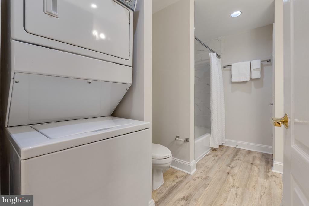 In unit Washer/Dryer - 1050 N STUART ST #126, ARLINGTON