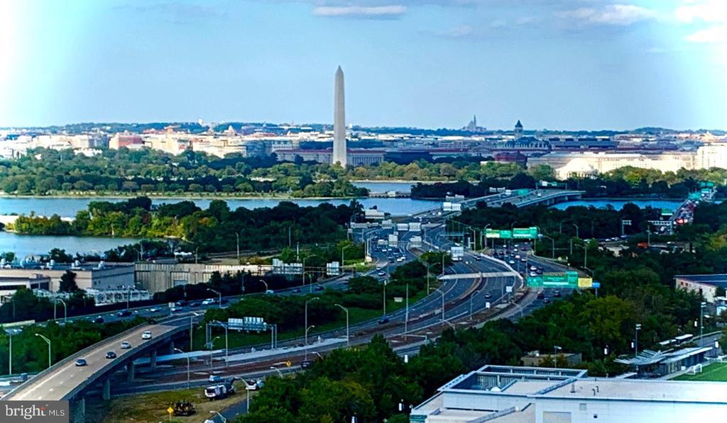Panoramic Views of Washington DC! - 1211 S EADS ST #2004, ARLINGTON