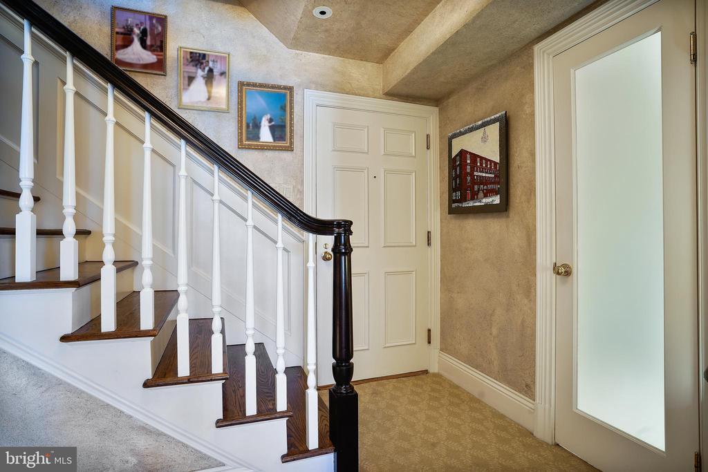 Foyer - 200 S FAIRFAX ST #16, ALEXANDRIA