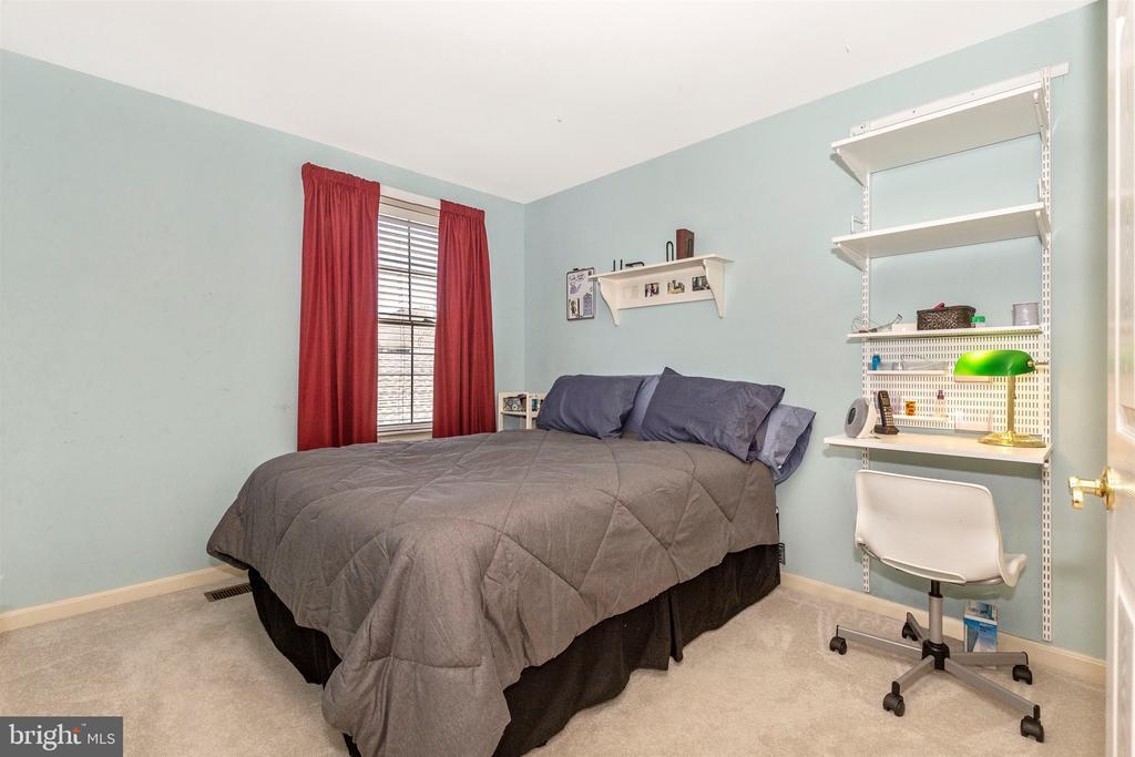 Bedroom 3 - 2222 LAMP POST LN, FREDERICK