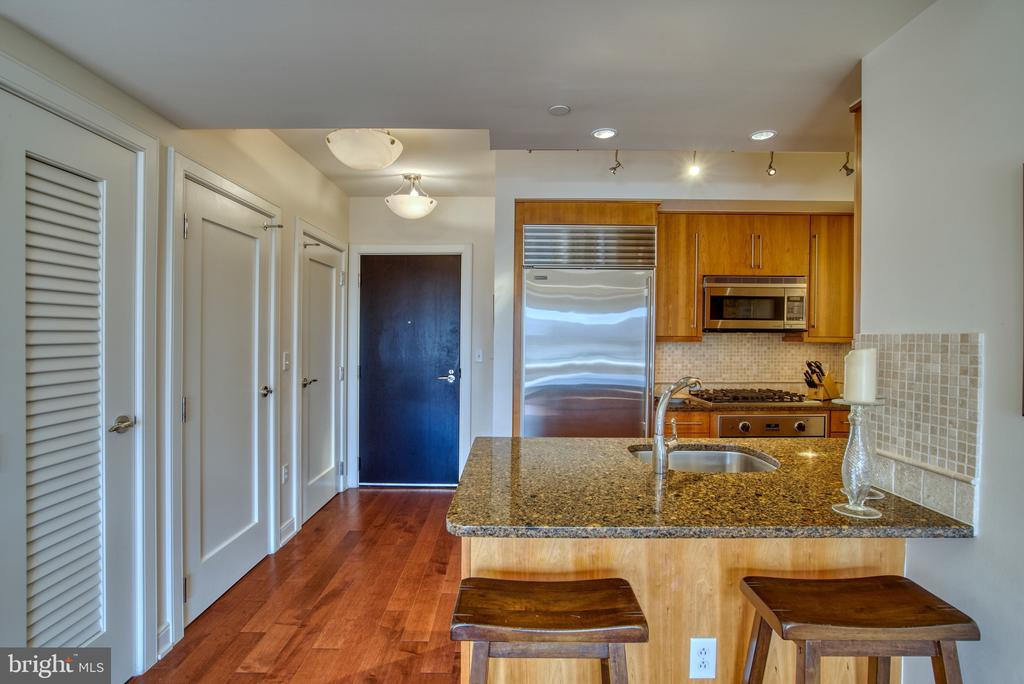 Nice breakfast/coffee area... Wine bar? - 1111 19TH ST N #1805, ARLINGTON