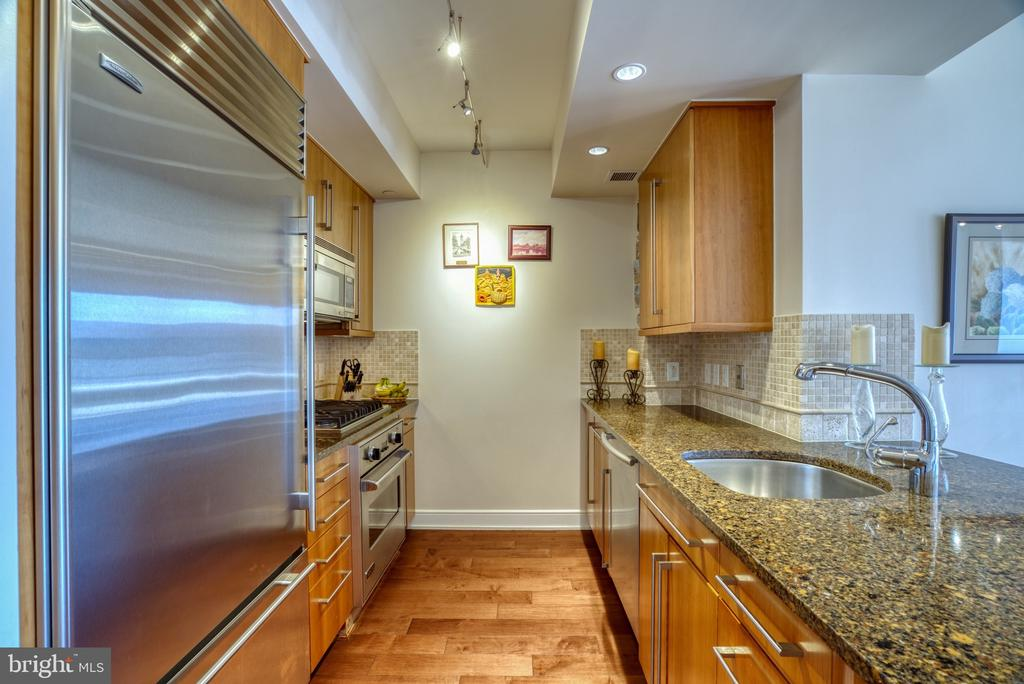 Calling all chefs! - 1111 19TH ST N #1805, ARLINGTON