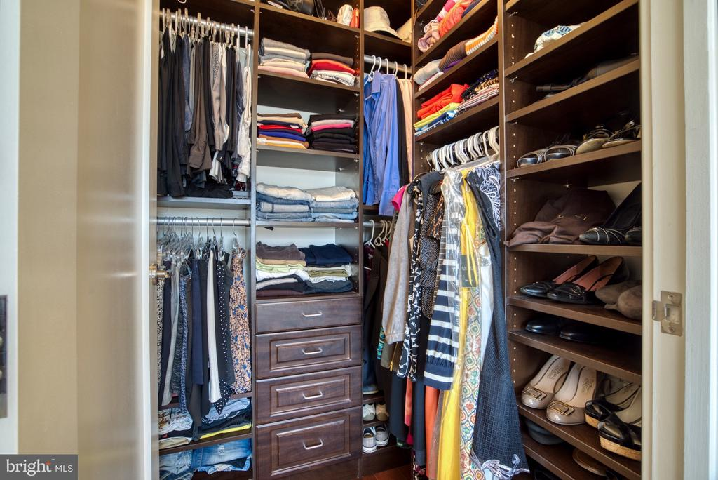 Ample storage in smartly designed closet - 1111 19TH ST N #1805, ARLINGTON