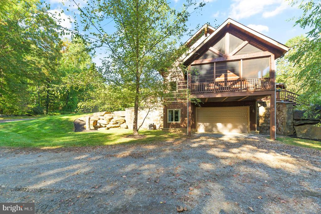 Fifth Garage - 12904 & 12898 SAGLE RD, HILLSBORO