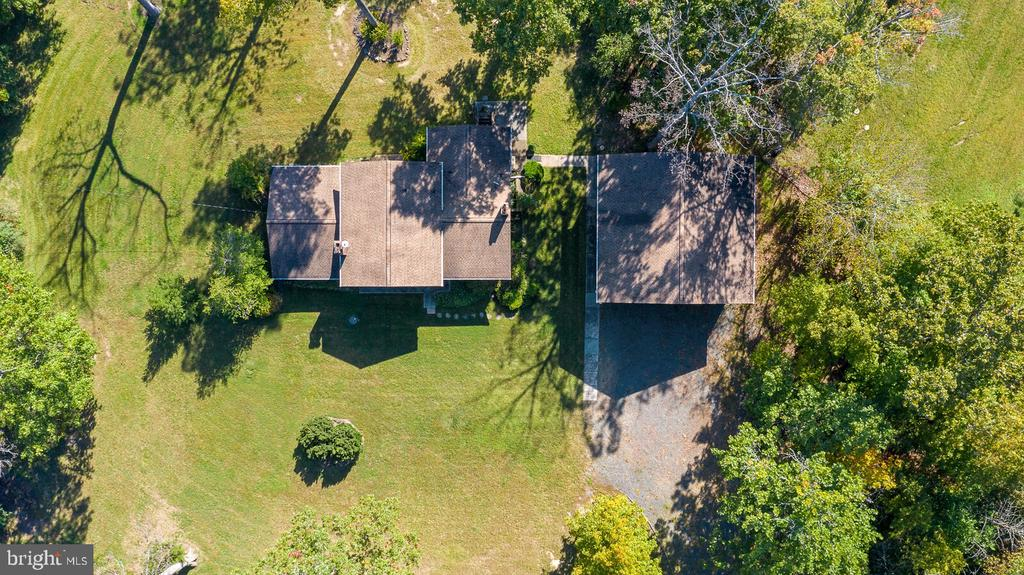 Aerial overhead shot of home & garage - 44719 POTOMAC DR, ASHBURN