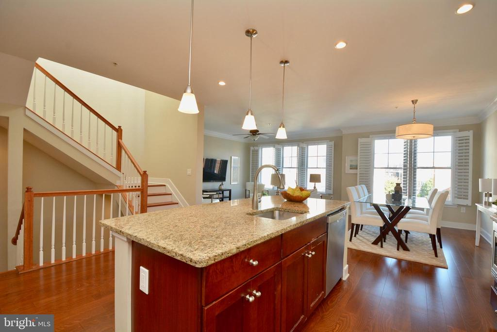 Open floor plan - 1418 N RHODES ST #B410, ARLINGTON