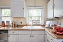 White Cabinets - 7019 SIGNAL HILL RD, MANASSAS