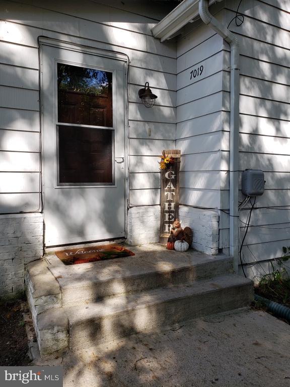 Come Inside! - 7019 SIGNAL HILL RD, MANASSAS