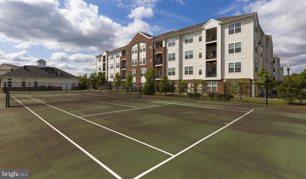 Tennis court - 9202 CHARLESTON DR #301, MANASSAS