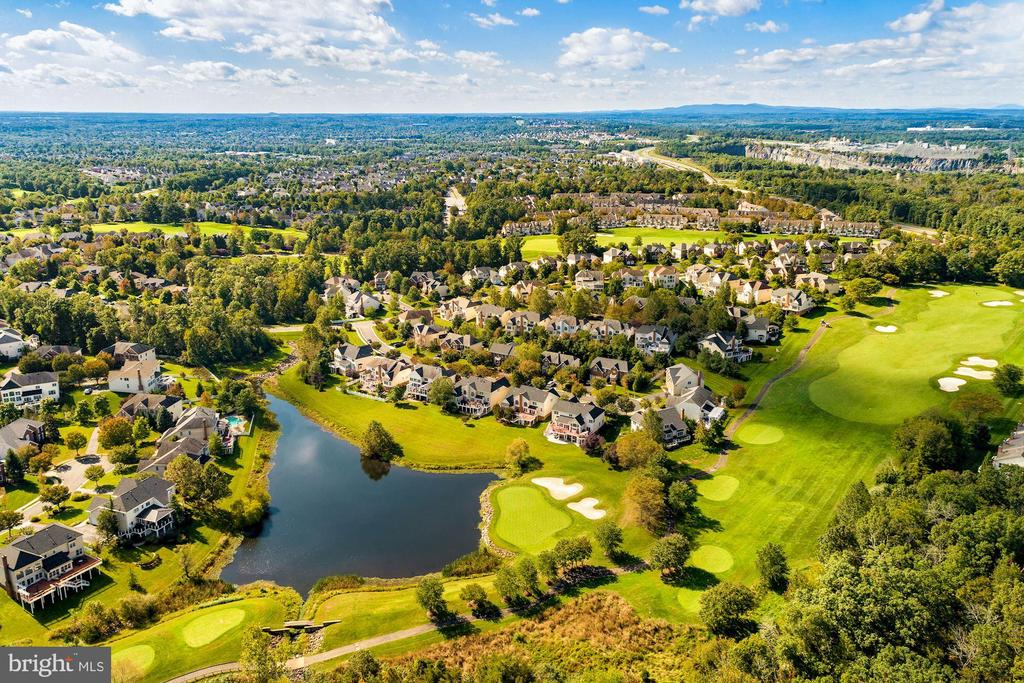 Amazing View of the Par 3, 3rd Hole & Pond - 19658 OLYMPIC CLUB CT, ASHBURN