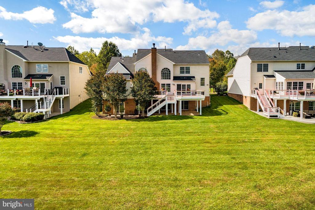 Large Yard w/ Space For a Pool - 19658 OLYMPIC CLUB CT, ASHBURN