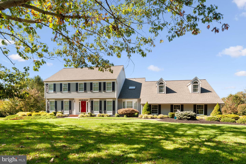 Single Family Homes para Venda às Cranbury, Nova Jersey 08512 Estados Unidos