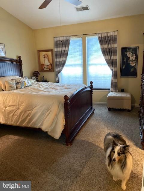 Master bedroom has walk in closet - 43180 KATAMA SQ, CHANTILLY