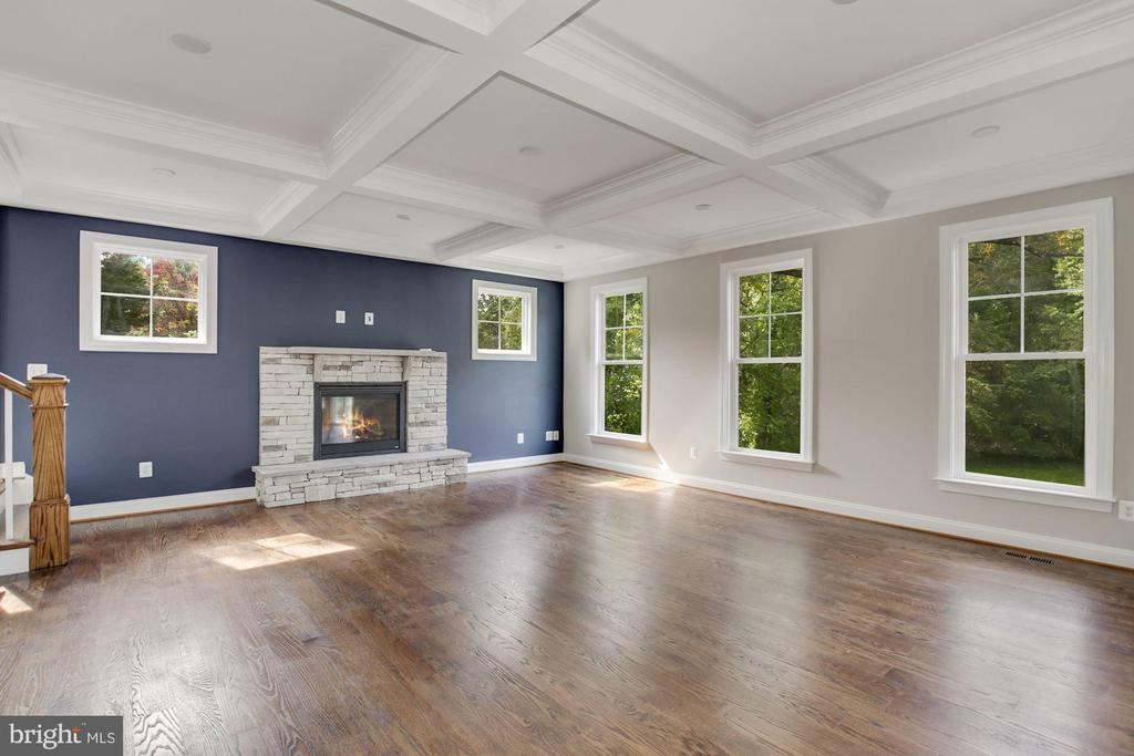 Great Room Gas Fireplace with Stone surround - 3414 BURROWS AVE, FAIRFAX