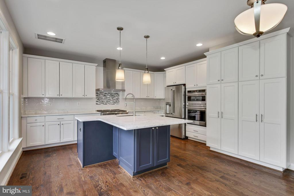Kitchen with White & Blue Cabinets - 3414 BURROWS AVE, FAIRFAX