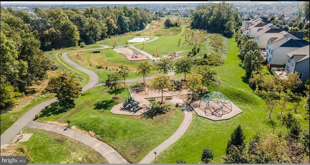 Morning Walk is the Newest Park Feature in Bram!! - 23255 CHRISTOPHER THOMAS LN, BRAMBLETON