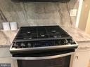 5 burner gas stove - 710 N BUCHANAN ST, ARLINGTON