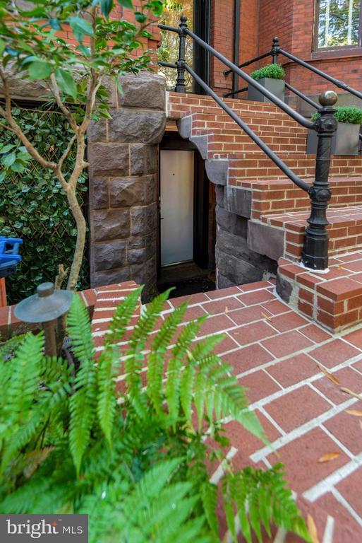 Entrance to studio apartments - 1310 RHODE ISLAND AVE NW, WASHINGTON