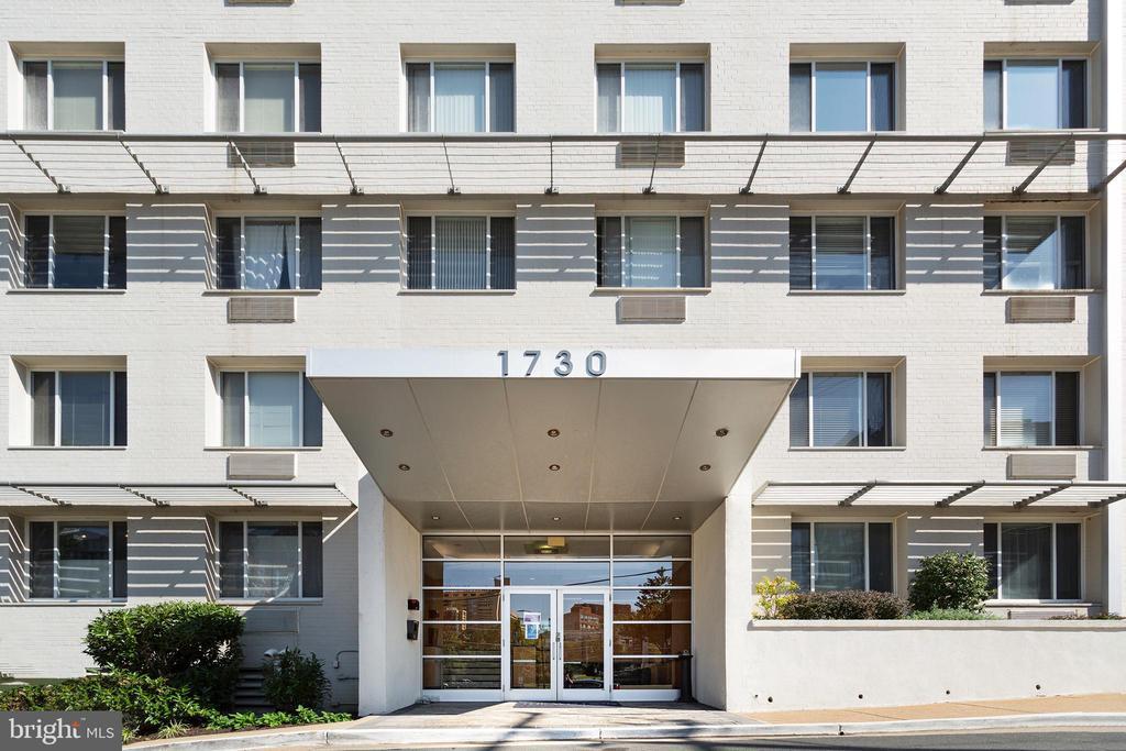 - 1730 ARLINGTON BLVD #407, ARLINGTON