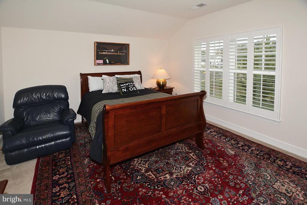 Optional finished 4th bedroom suite on upper level - 7614 CHESTNUT ST, MANASSAS