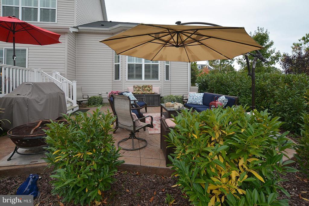 Wonderful outdoor living - 7614 CHESTNUT ST, MANASSAS