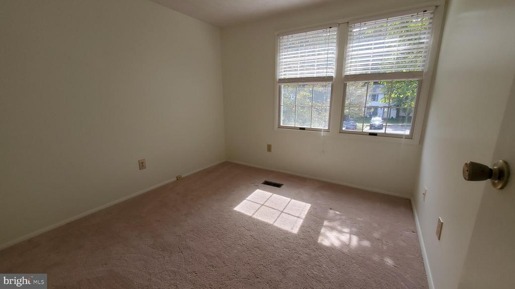 2ND BEDROOM - 1548 BENNINGTON WOODS CT, RESTON