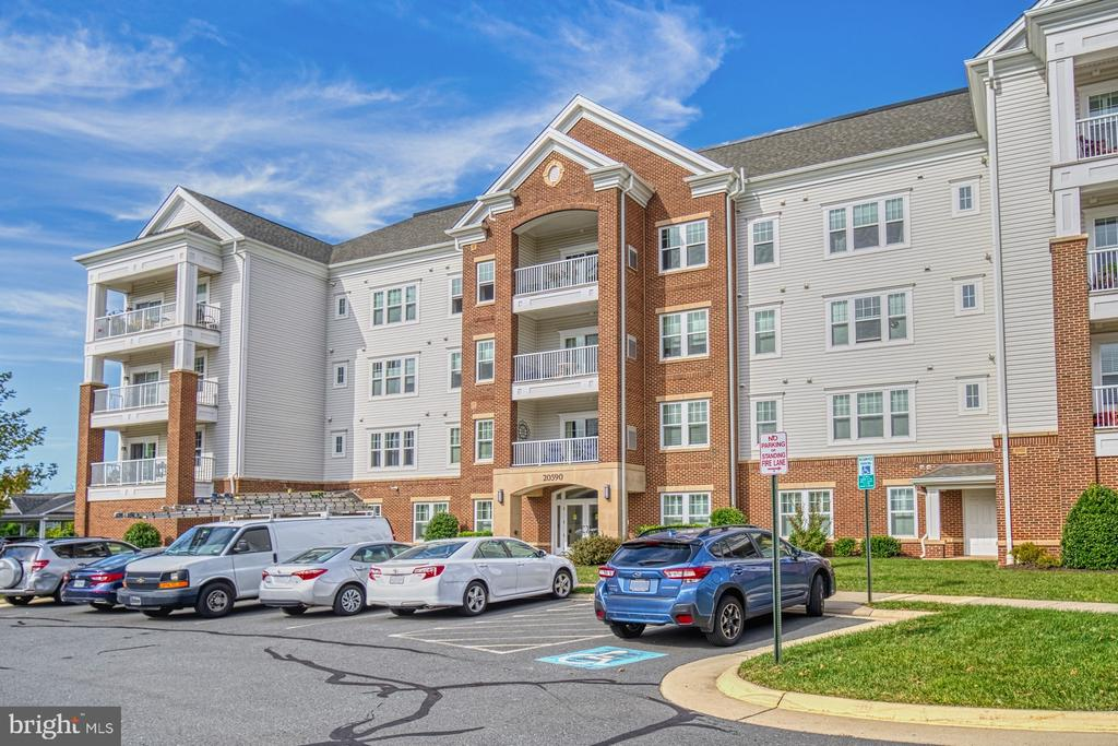 One Car Garage Plus Lots of Available Parking - 20590 HOPE SPRING TER #207, ASHBURN