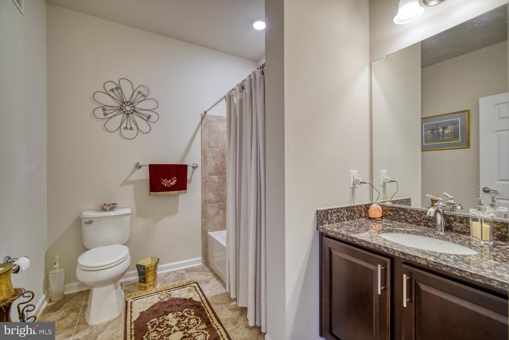 Second Full Bath with Tub/Shower - 20590 HOPE SPRING TER #207, ASHBURN