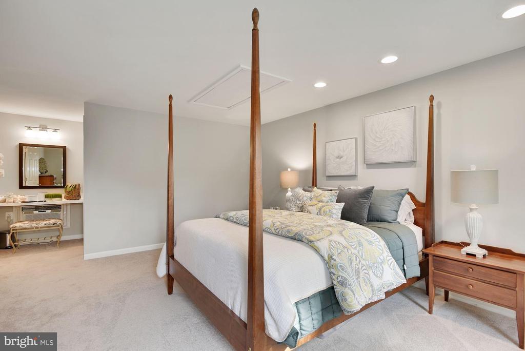 Master Bedroom - 7 COLEMAN LN, STERLING