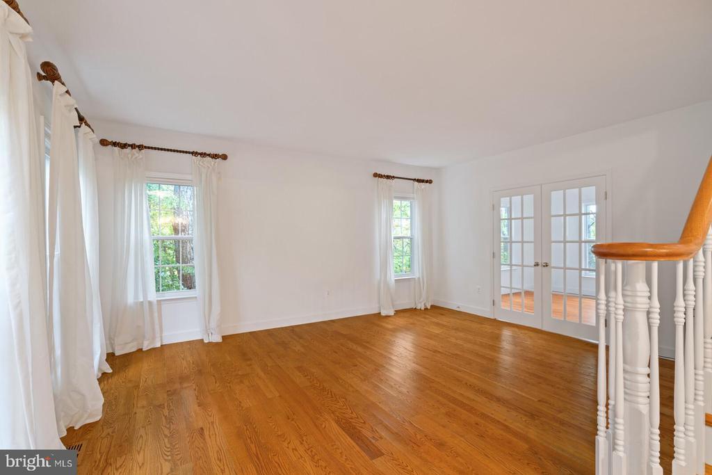 Formal Living Room with Adjoining Office - 11644 SANDAL WOOD LN, MANASSAS