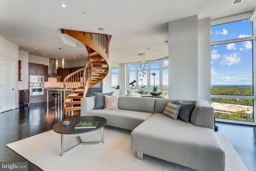 Floor to ceiling windows and 180 degree views - 8220 CRESTWOOD HEIGHTS DR #1916, MCLEAN