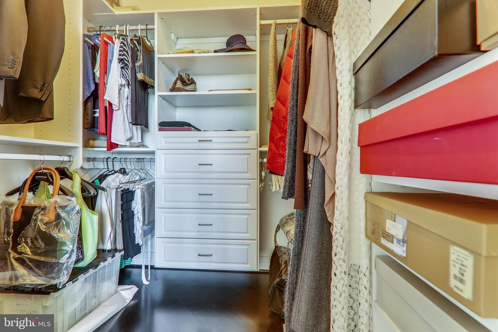 California Closet system walk-in closet - 8220 CRESTWOOD HEIGHTS DR #1916, MCLEAN